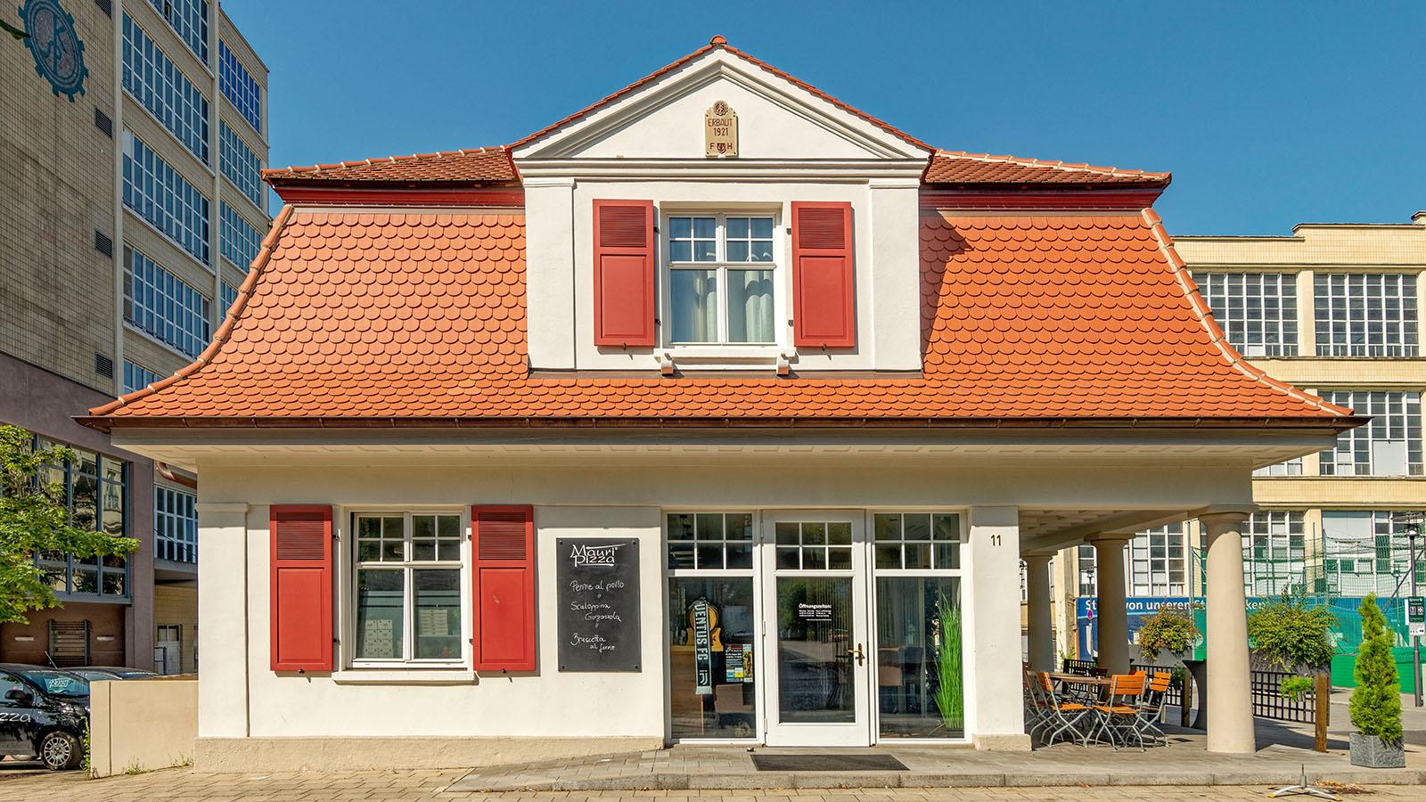 h2m-pfoertnerhaus-alte-spinnerei-kulmbach-denkmalschutz-sanierung-fassade