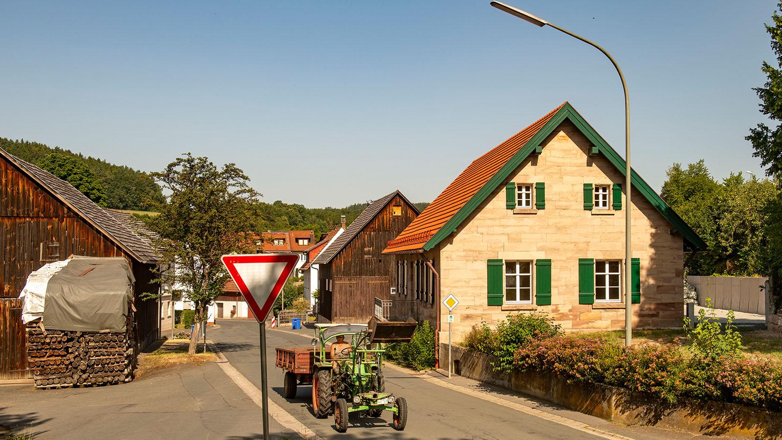 h2m-rathaus-koednitz-schulhaus-foelschnitz-Ansicht-Westen