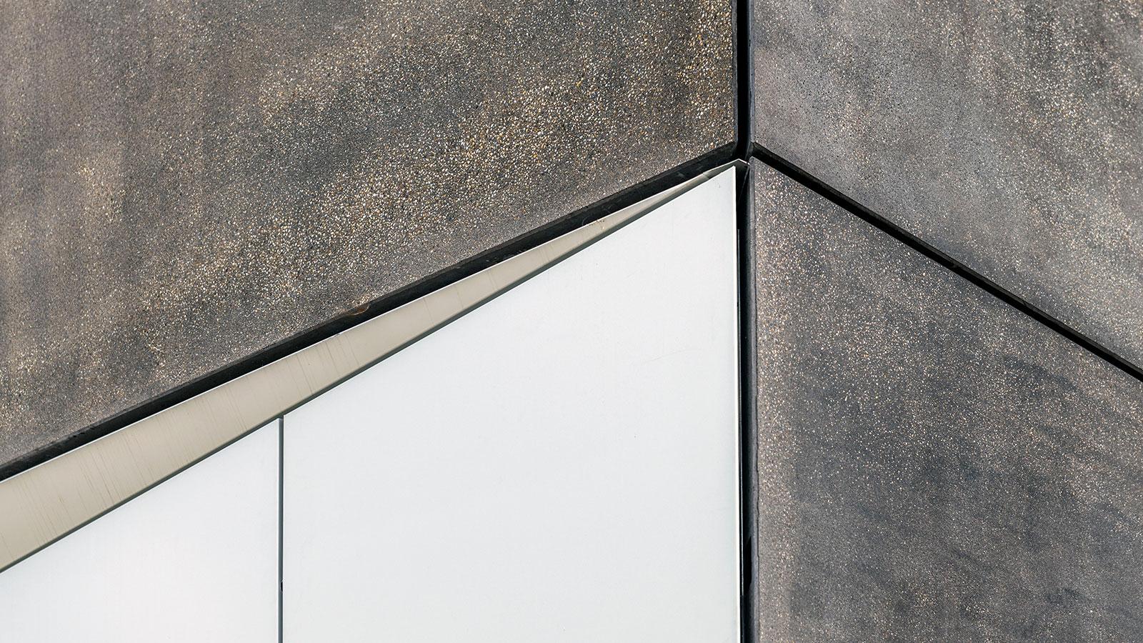 zme-coburg-fassade-architekturbeton-detail