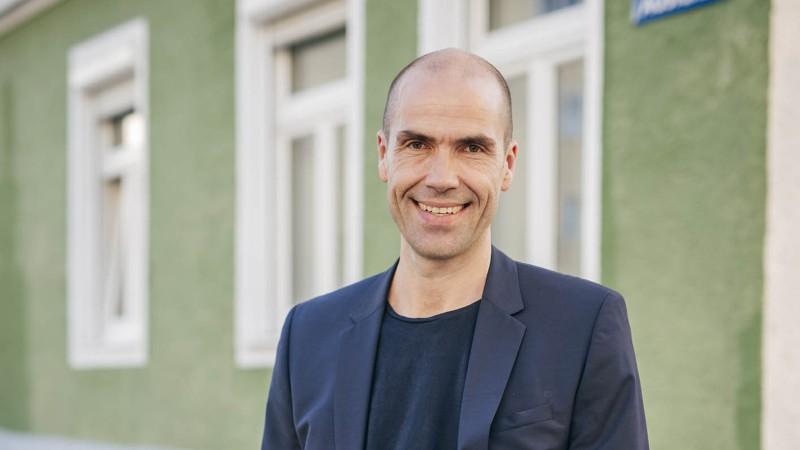 Prof. Daniel Halswick
